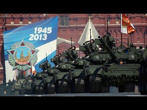 Μεγαλοπρεπής παρέλαση στην Κόκκινη Πλατεία για τη...