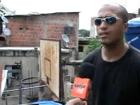 Cr a de cachamas en la carbonel en catia youtube for Criadero de cachamas en tanques