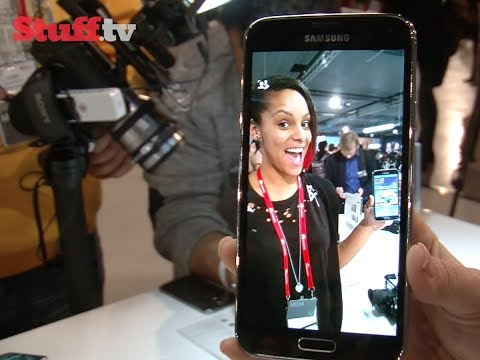 Samsung Galaxy S5 hands-on review - MWC 2014