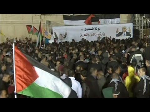 Celebrations as more Palestinian prisoners are set free by Israel