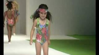 Desfile De Oh Soleil En FIMI Fashion Show Temporada