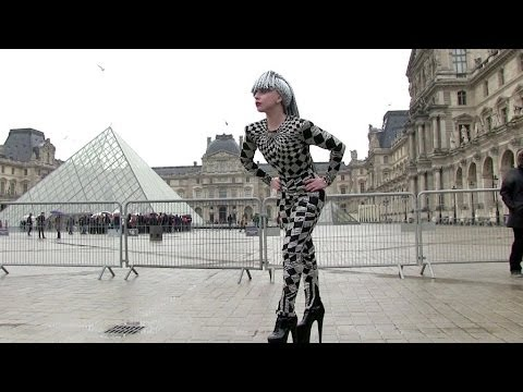 EXCLUSIVE: Lady Gaga visiting the Louvre in Paris - Part 1