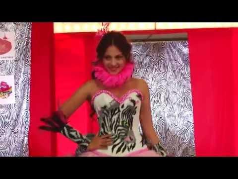 Expo 15 México Pasarela de vestidos de 15 años.