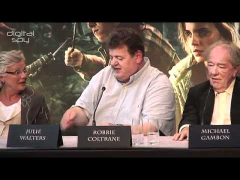 Harry Potter and the Deathly Hallows Part 2 - Press Conference (3/3) -9AdLJr6Lrbw