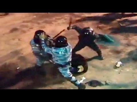 image vidéo   مقطع فيديو صادم يظهر قمع المتظاهرين من قبل الشرطة