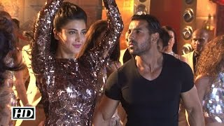 IANS : John & Shruti Haasan Uncensored dance in 'Welcome Back'