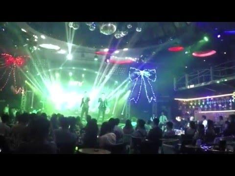 Chính Là Anh (Remix) & Chờ Em Trong Đêm - The Men [LIVE]