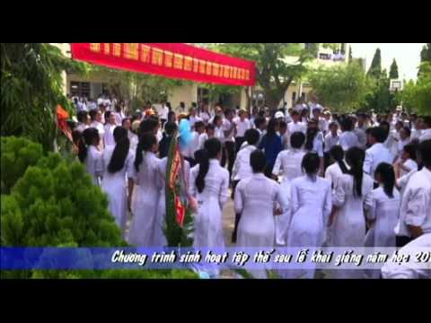 Hình ảnh trong video nhảy dân vũ (3 con gấu)- trường THPT