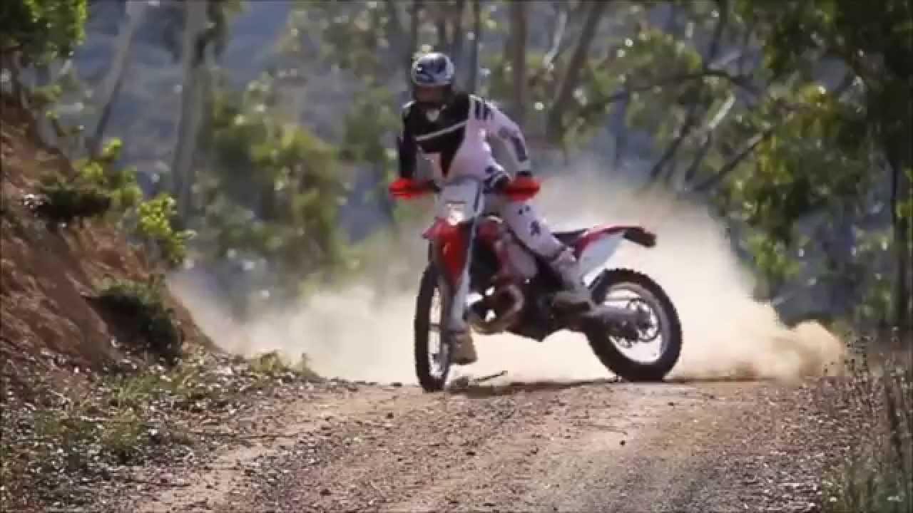 Dirt Bike Stunts, Motocross Freestyle - Dirt Bike Jumps and Tricks ...