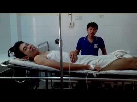 Vinh đẹp trai xuất hiện tại bệnh viện làm điên đảo các em (17-10-13)