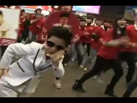 PSY nhí nhảy Gangnam style tại Sân Bay Nội Bài Hà Nội- Little PSY GANGNAM STYLE