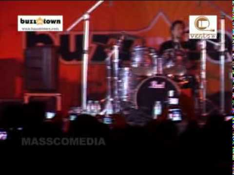 Atif Aslam Live In Concert 2010-2011-2012 | Aadat | Buzzintown | Ventom Network India | HD Video