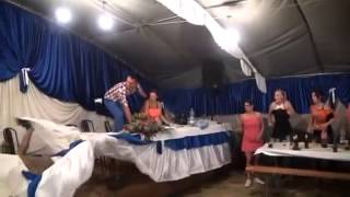 [Wedding Dance on Tables Fail] Video