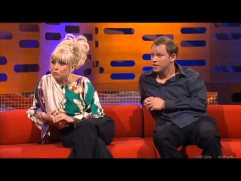 Graham Norton Show 2007-S1xE8 Barbara Windsor, Robert Webb-part 1