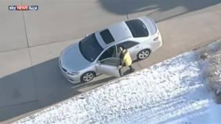 يسرق 3 سيارات للهروب من الشرطة