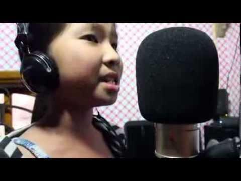Bé 10 tuổi hát dân ca hay không kém Phương Mỹ Chi