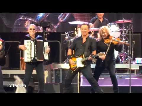 Bruce Springsteen - American Land (2013-06-29 - Paris)