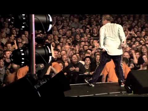 Sex Pistols - Road Runner (Bonus Track) [Live From Brixton Academy 2007] 17