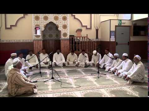 قراءة الحزب الجماعية على الطريقة التقليدية المغربية بالمركز الإسلامي الأمة فوينلابرادا (مدريد)