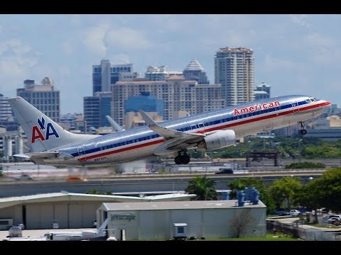 American Airlines Boeing 737-800 Takeoff
