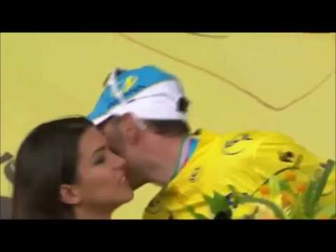 Vincenzo Nibali left red faced after podium 'kiss' gaffe   Tour de France