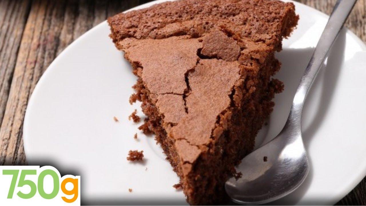 Recette du g teau au chocolat ultime 750 grammes youtube - Comment cuisiner un gateau au chocolat ...