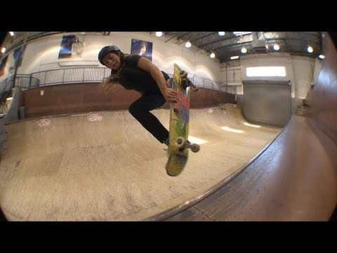 Blog Cam #59 - Vans Mini Ramp with Nora Vasconcellos