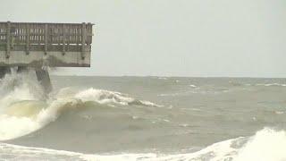 الإعصار ايساياس يضرب ولاية نورث كارولاينا
