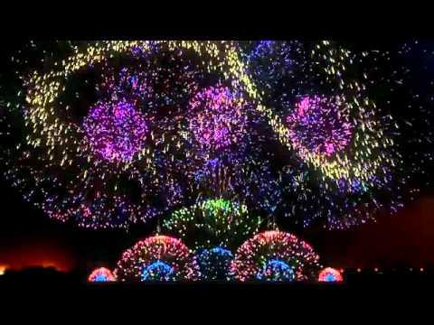 Màn trình diễn pháo hoa đẹp có một không hai trên thế giới!