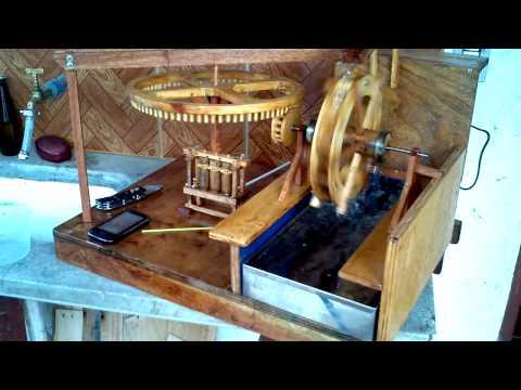 Roda D'Agua com Moenda de Cana miniatura