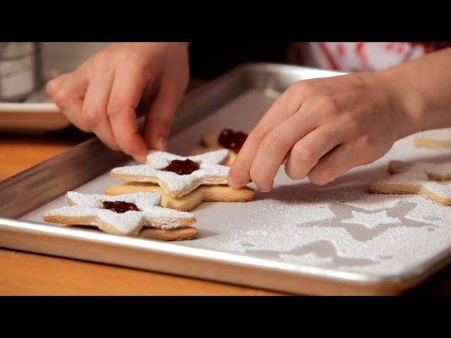 How to Make Linzer Cookies | Christmas Cookies