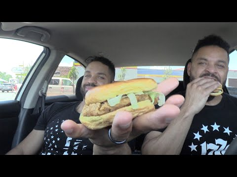 Eating Sonic's Classic Chicken Sandwich