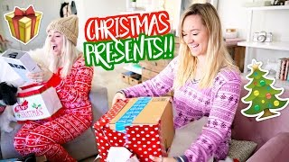 OPENING CHRISTMAS PRESENTS!! Vlogmas Day 24!!