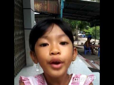 Co be de thuong hat bai nguoi yeu cu