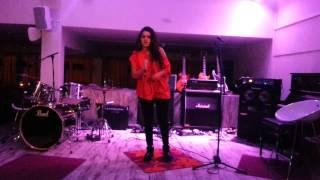 Numidia El morabet  zingt  bij lees café in venlo