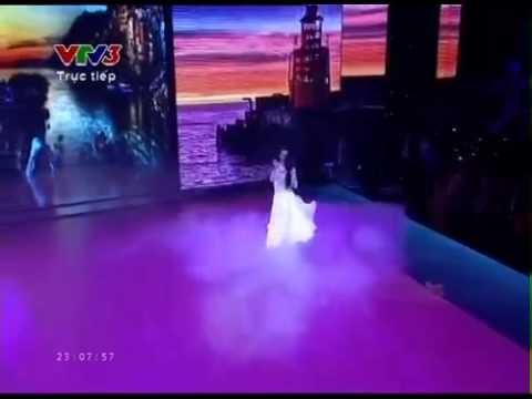 Bước nhảy hoàn vũ 2014: Angela Phương Trinh & Kosta
