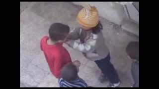[SYRIA GIRL YOUR FOOD DEALS BETWEEN FRIENDS CHILDREN 2014/NIÑ...] Video