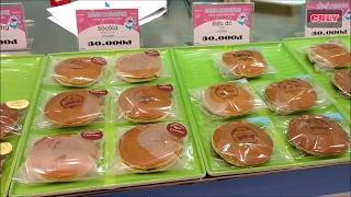 Đi Mua và ăn thử bánh rán Doraemon giống trong phim hoạt hình Doremon -  dorayaki cake