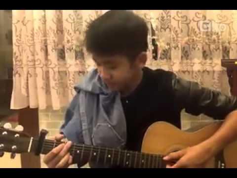 Hotboy Vietnam Idol 2013 - Không đòi quà - hát live với ghita