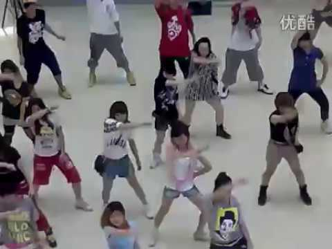 Cầu hôn bằng màn nhảy Hip hop sôi động