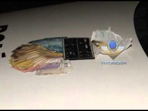 Dupla é presa com drogas e R$ 1 mil no Osvaldo Rezende