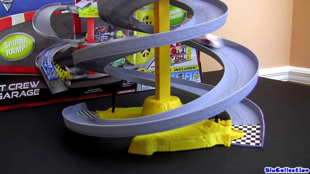 Cars  World Grand Prix Race Off Track Set