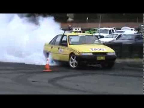 35  MANG ON TAXI Holden VN V6 Commodore At Burnout Warriors 1 12 2013
