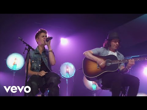Justin Bieber - All Around The World (Acoustic) (Live), Buy Now! iTunes: http://smarturl.it/JBBelieveAcoustic Music video by Justin Bieber performing All Around The World (Acoustic) (Live). ©: The Island Def Jam M...