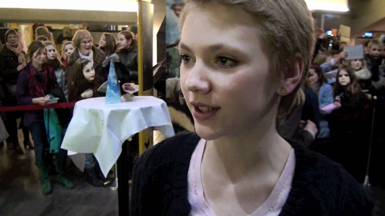 Hanna Obbeek over 'Achtste-Groepers huilen niet' - YouTube