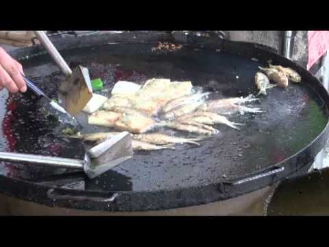 Fast Chinese Food Cooking:  Frying Fish in Kaiping, China (Hoiping), I tasted some very tasty fish in Hoiping (Kaiping), China. Sometimes food should be simply cooked. This is definitely one of them.