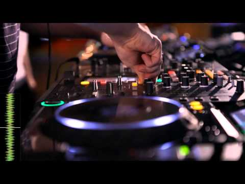 Jack Beats performance with CDJ-2000 & DJM-2000 -9m1w2MDW1qk
