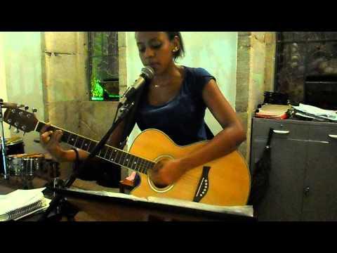 Anna Carolina cantando - Aleluia(Haleluia)