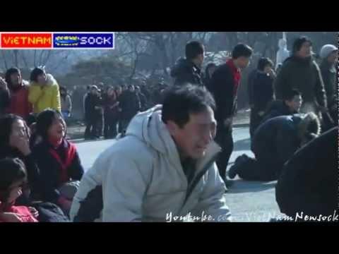 Sock Khóc chủ tịch Triều Tiên Kim Jong-il qua đời
