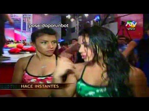 COMBATE: Diana y Vania pelean en los comerciales 10/12/12